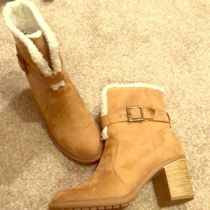 Heeled winter boots